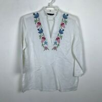 346 Brooks Brothers Blouse Size M White Embroidred Floral 3/4 Sleeve VNeck Top