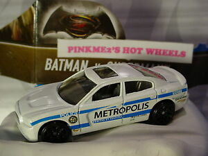 Batman v Superman '11 CHARGER R/T✰White✰METROPOLIS Police✰2016 Hot Wheels loose