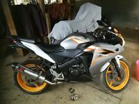 2011 Honda CBR125 ( 1 ear only colour scheme) 14000M