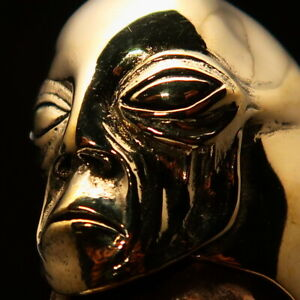 Excellent crafted Men's Alien Ring detailed Extra Terrestrial Face