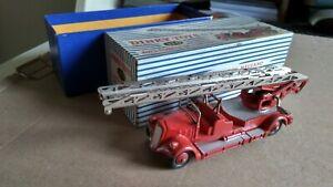 Dinky Toys pompiers : échelle Delahaye et Berliet 1ers secours