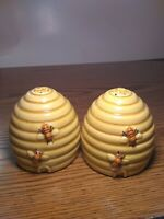 Vintage Ceramic Beehive Honey Pot Salt and Pepper Shakers, Utah Souvenir Shaker