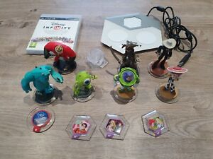 Lot Disney Infinity 1.0 sur PS3 avec 7 figurines, 1 mondes et 4 power discs