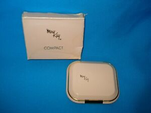Vintage Mary Kay Pink Mirror Compact