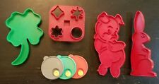 Vtg Tupperware Cookie Cutters Porky Pig, Bunny, Shamrock, Appetizers & Magnet