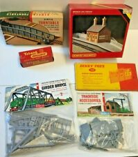 Airfix, Hornby Dinky Toys Triang Model Railway Buildings & Trackside Accessories