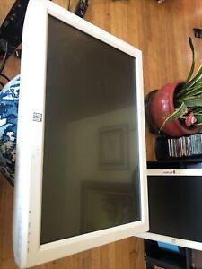 Elo E109990 24in Medical Grade Touchscreen Monitor