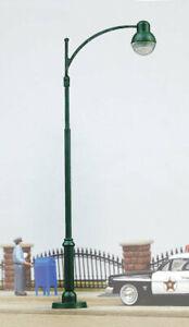 Walthers SceneMaster - Modern Street Light - HO