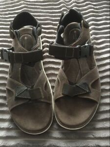 Brown Sandals Size 11G New From Clarks