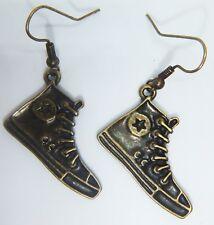 Oro Antiguo Tono Pendientes De Zapatos Converse Bolsa De Organza Regalo Bronce entrenadores Bronce