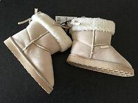 BNWT Little Boys or Girls Sz 11 Rivers Doghouse Brand Short Cream Slipper Boots