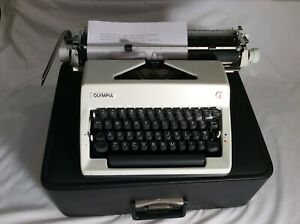 Vintage 1979 Olympia SM 8/9 DeLuxe Portable Typewriter & Case Near Mint & Clean,