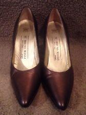 Vintage Bruno Magli Tomaia Pelle Copper Embellished Cap Heel Womens Pumps 6.5