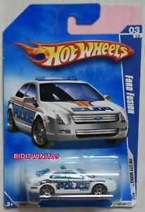HOT WHEELS 2009 HW CITY WORKS FORD FUSION PAINT VARIATION W+