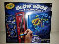 CRAYOLA GLOW BOOK-CREATE GLOWING DRAWINGS THAT MOVE-NEW IN BOX