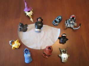 Mixed lot of 10 Action figure accessories cape, Mask, hat & armor