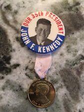 Political President John F. Kennedy 35th President Pin back Button Coin 1961