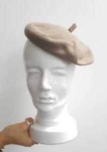 Chapeau béret ancien en feutre beige marque Printemps Paris Années 30/40