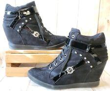 Guess WGSTARS Hidden Wedge Heel Studs Sneakers Black Faux Suede Women Sz 9.5 M