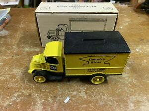 Ertl 1926 Mack DeliveryCountry Store Truck