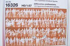 HO Preiser 16326 (ONE HUNDRED TWENTY)120 UNPAINTED WORKER Figures w Camera Crew