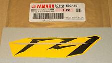 06 Fz1-n Nuevo Genuino Yamaha Asiento Cola Capucha Panel calcomanía emblema Insignia 2d1-2163g-20