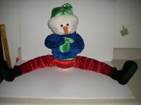 Gemmy Animated Shivering/Talking Snowman Door Drafter Long Legs  RARE   4134