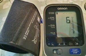 OMRON Blutdruckmessgerät M700