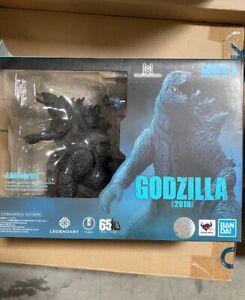 S.H. MonsterArts Godzilla 2019 action figure Bandai Tamashii (USED)