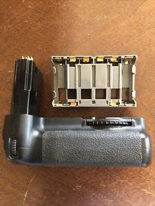 Nikon D200 Battery Grip Model MB -D200 OEM Works Perfect