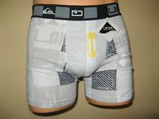 NEW BOYS WHITE CHECKED TRENDY QUIKSILVER FITTED COTTON BOXERS AGE 12-14 26/28