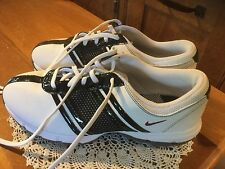 Pre Owned  Nike size 10 Women's Golf Shoes