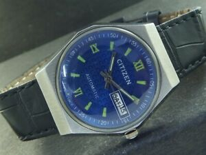 VINTAGE CITIZEN AUTOMATIC 8200A JAPAN MENS DAY/DATE WATCH 448-a224251-3