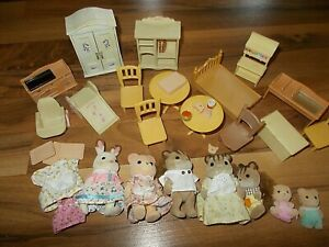 Calico Critters Dollhouse Mixed Lot Figures furniture animals