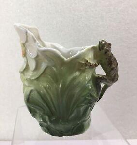 """Vtg Royal Bayreuth Porcelain Creamer Pitcher Frog Handle Daisy Leaf Germany 4"""" H"""