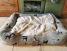 Emily Bond Labrador Dog Bed