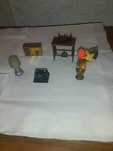 Dollhouse 1:12 Miniature Sewing Machine, Radio, Typewriter, Vase and Lamp Lot