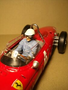 1/18  FIGURE  PHIL HILL  DRIVING  VROOM  PAINTED  FOR  FERRARI  CMC  CMR  EXOTO