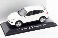 1:43 MINICHAMPS 2015 PORSCHE Cayenne S E-Hybrid white DEALER PROMO !!!