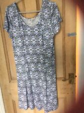 SIZE 18 BLUE PRINT DRESS