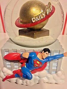 WESTLAND GIFTWARE GLITTER WATER GLOBE MUSIC BOX DC COMICS SUPERMAN DAILY PLANET