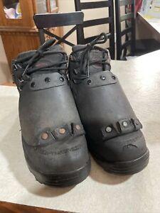 avenger work boots A7322 12w