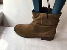 Clarks  suede ankle size 7 taupe brown flat biker ladies womens boots shoes low