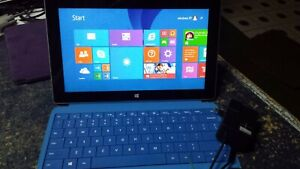 Microsoft Surface RT Windows 8.1, 10.6in. with 2gb ram,32GB SSD and Keyboard