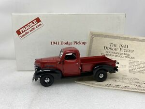 1/24 Danbury Mint 1941 Dodge Pickup Red Black