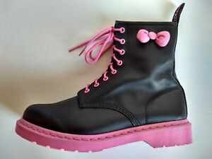 DR. MARTENS X SANRIO HELLO KITTY 9UK US: W11 BLACK LEATHER PINK SOLES BOOTS RARE