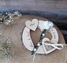 Ringkissen Brautpaar mit Kind Holzherz rund mit Namen für Eheringe Hochzeit