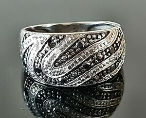 Vintage 9ct White Gold Black & White Diamond Ring, Size J, 3.1g.