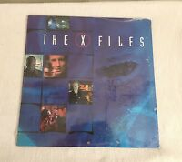 X-Files 2000 Wall Calendar with David Duchovny & Gillian Anderson New Sealed