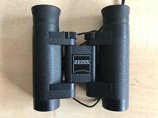 Fernglas Zeiss 8x20 T* P mit Ledertasche.